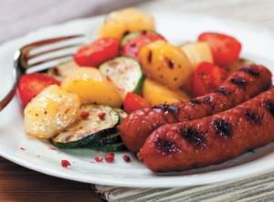 Сосиски с овощами