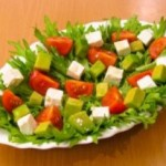 Салат из помидоров с авокадо