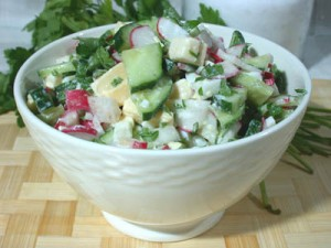 Салат из огурцов с редисом