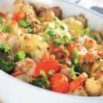Теплый салат с индейкой и цветной капустой