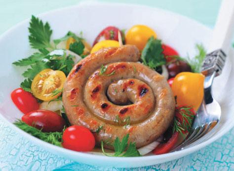 Теплый салат с колбаской