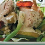 Теплый салат с окорочком